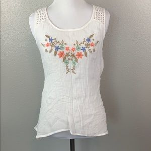 White summer tank with embroidered flowers